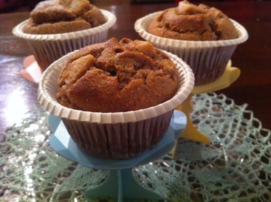 Mini-cakes con noci e pere